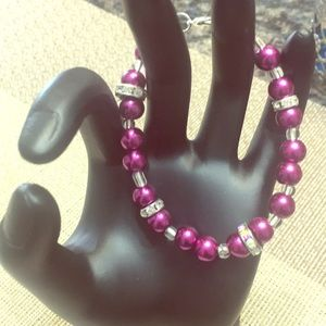 Jewelry - Dark pink faux pearl bracelet with rhondelles